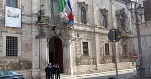 Scontro treni 9 sindaco andria a vertice in prefettura for Nuovo arredo andria