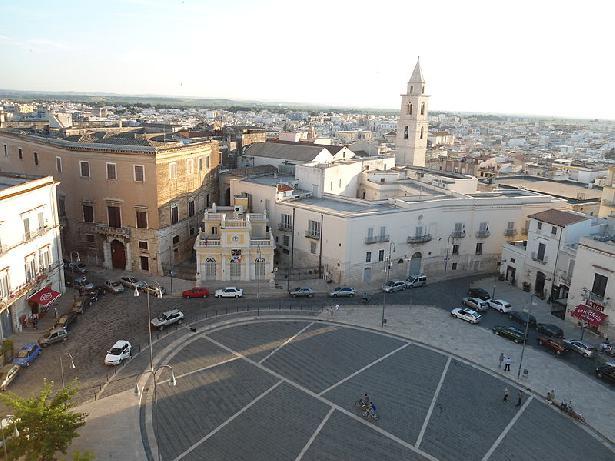 Piazza Vitt. Emanuele II (Largo Catuma)